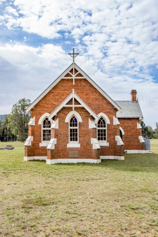 Broke Fordwich Country Church front on - Australian Stock Image