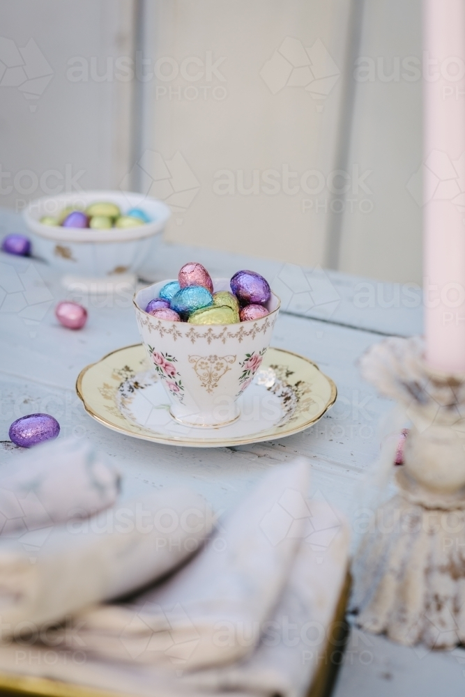 Pretty vintage Easter table set up - Australian Stock Image