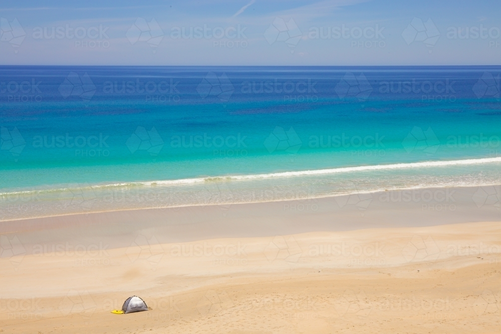 Tent on the beach at Berry Bay, Yorke Peninsula - Australian Stock Image