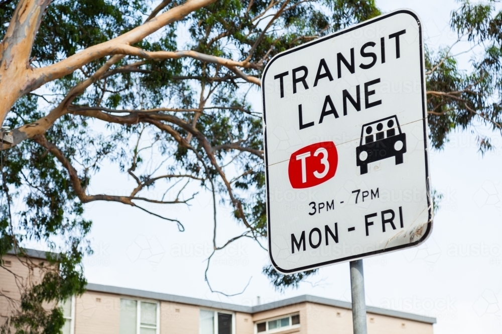 Transit lane T3 Monday - Friday sign - Australian Stock Image