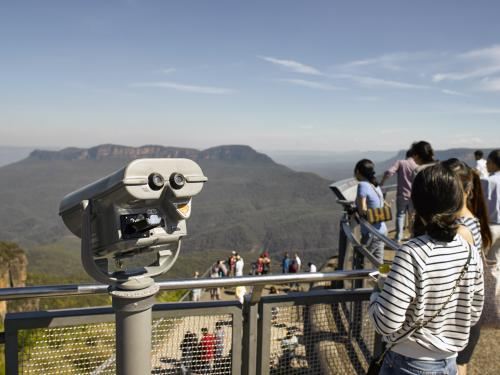 binoculars and tourists at Echo point lookout