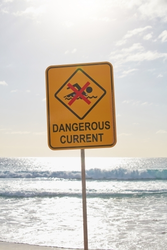 Dangerous current sign at beach