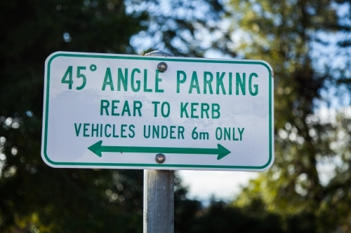 45 degree angle parking rear to kerb sign