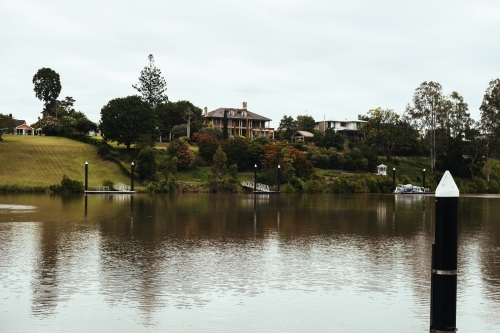 Mansions along the Brisbane river
