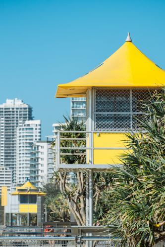 Observation hut for surf lifesavers