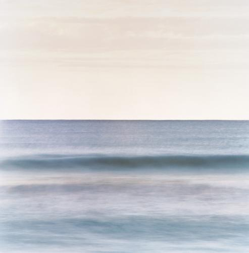 Ocean seascape with gentle wave and horizon