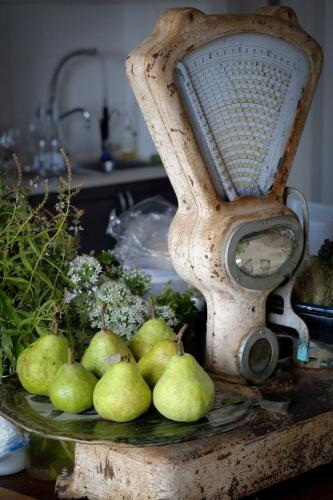 Old Scales with pears
