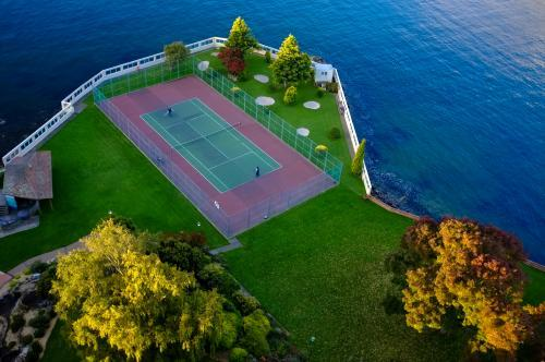 Tennis by the sea
