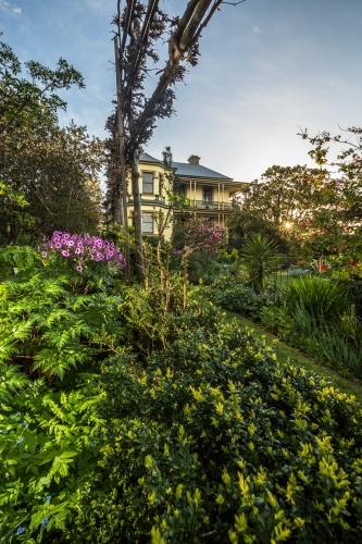The gardens and hedges of the historic Corinda accommodation in Hobart