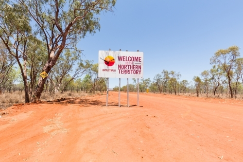 Welcome to Northern Territory NT road sign on Savannah Way